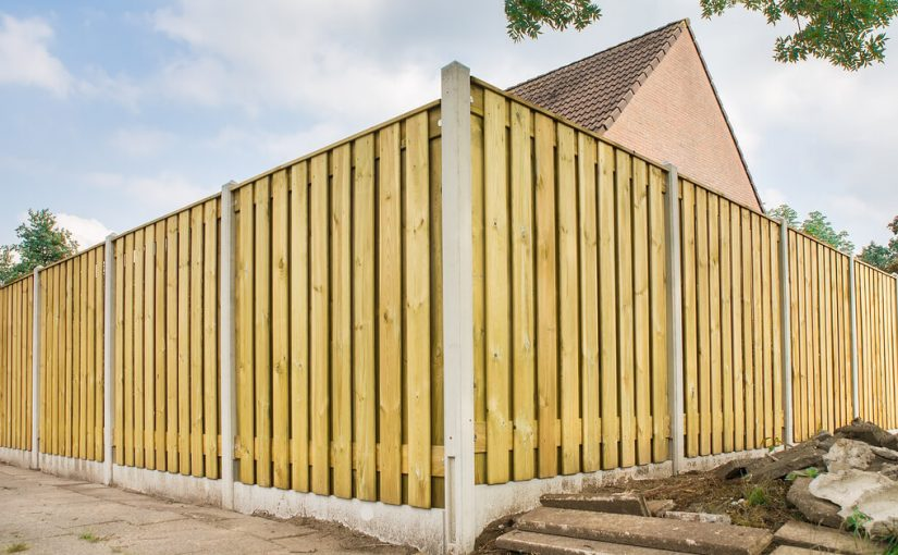 The Pros and Cons of Various Residential Privacy Fencing Materials