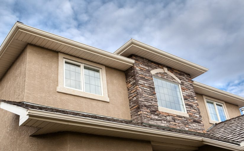 The Pros and Cons of Stucco Siding - Perry Hood Properties, Inc.
